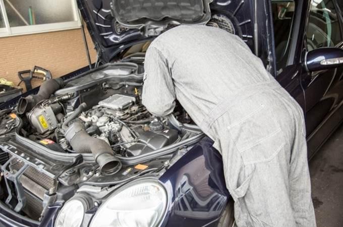 車のアイドリングが不調の原因
