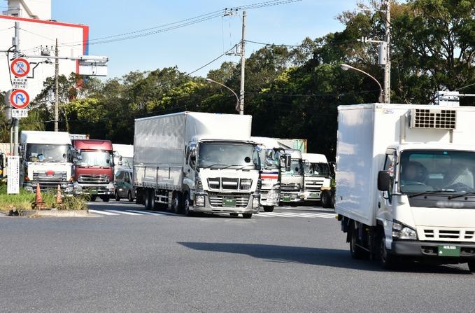 トラックドライバーの年収や業界の現状