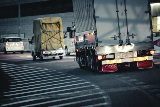 トラック運転手1日の走行距離