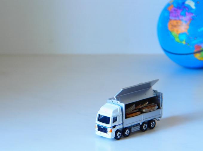 トラック運転手は最速で何歳から