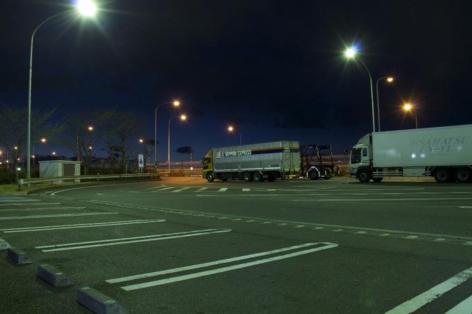 トラック運転手睡眠時間少ない