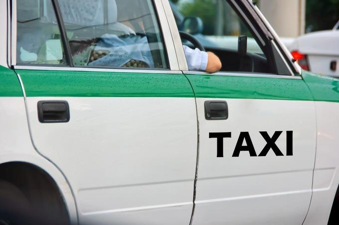 タクシー運転手 服装